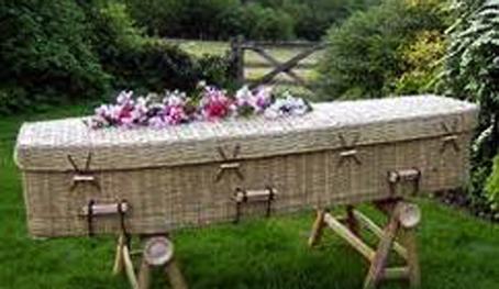 Santa croce camerina rg posiziona una cassa da morto in - Antifurto giardino ...