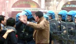 Tensioni in piazza Piazza Duomo, tensioni - nesun contatto con i dimostranti