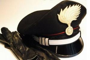 carabinieri_guanti_e_cappello