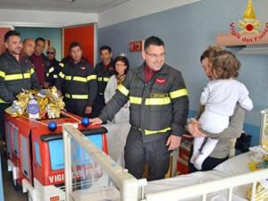vigili_del_fuoco_unautopompa_in_corsia_4