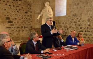 sgarbi_presenta_museo_della_follia_ct