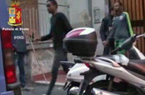 blitz_polizia_arresti_banda_somali_ct_2