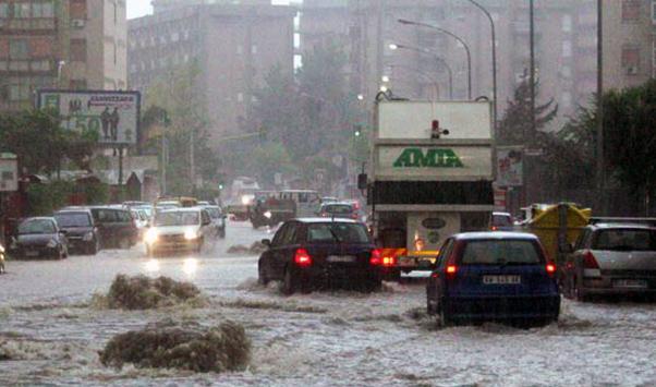 Temporale all'alba su Palermo, danni e allagamenti
