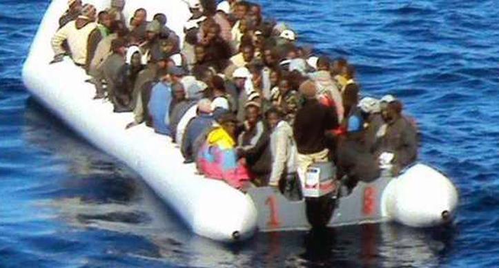 migrant_gommone