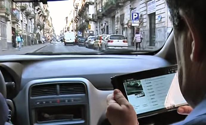 Sindaco Bianco multa veicoli in via etnea - frame estratto da video meridionews