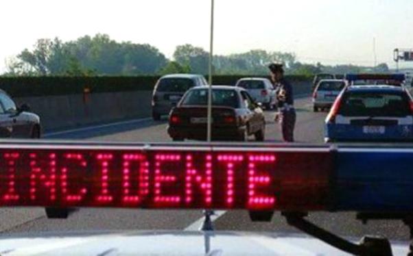 Carlentini: scontro fra auto, un morto e tre feriti