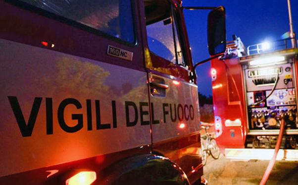 Palermo: esplosa bombola gas in un camper, feriti 4 vigili del fuoco