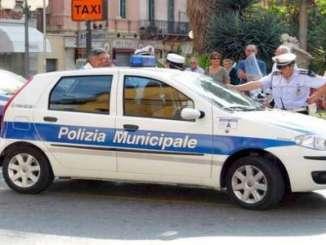 polizia_municipale_ct_auto