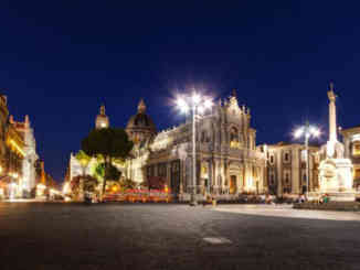 catania_piazza_duomo_notte
