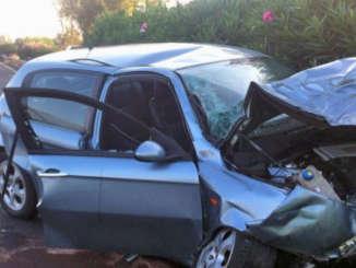 Incidente_auto_A18_svicolo_acireale