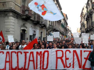 manifestazione_contro_governo