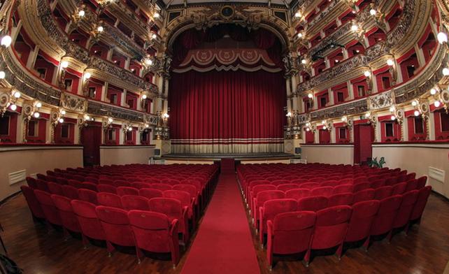 teatro-bellini-interno-sipario-si