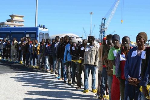 augusta_porto_sbarco_migranti