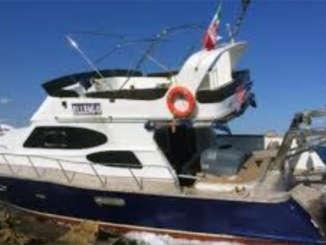 migranti_yacht_sbarco