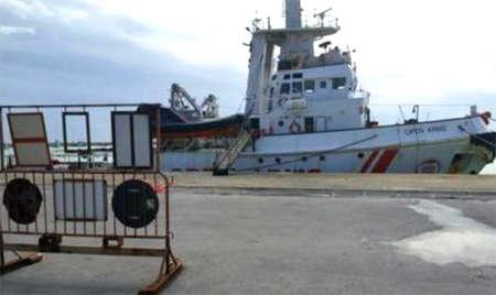 Nave Ong spagnola ancorata a Pozzallo dissequestrata