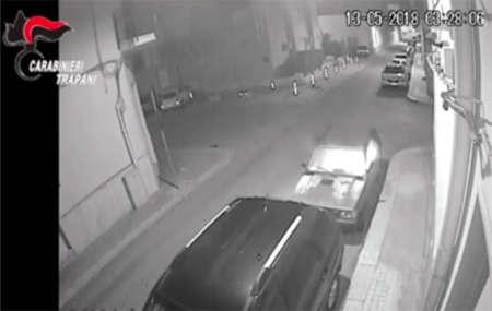 Trapani: auto incendiate senza motivo. arrestato