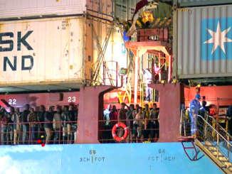 migranti_nave_cargo_Alexander_Maersk
