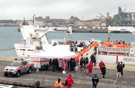 Sbarcano a Catania in quasi mille