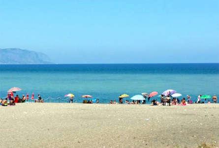 Morto in spiaggia a Palermo