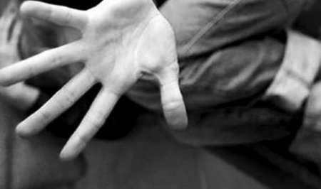 Abusa di una minorenne, arrestato venditore ambulante