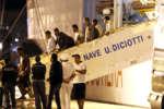 nave_diciotti_sbarco_migranti_si