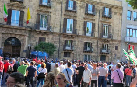 Finanziaria siciliana impugnata: rivolta dei precari