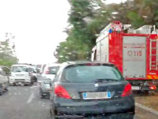 vigili_del_fuoco_A18_bloccata