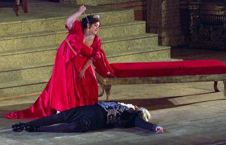 Applausi per Tosca a Taormina. Replica martedì 21 - Interviste