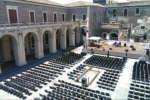 cortile_platamone_catania_palco
