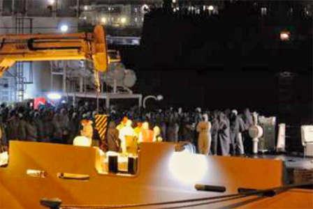 Nave Diciotti a Catania, migranti restano a bordo