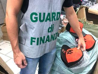 gdf_sequestro_oggetti_contraffatti_misterbianco_2