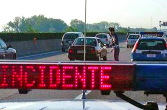 Morte sulla Catania-Siracusa, motociclista perde la vita