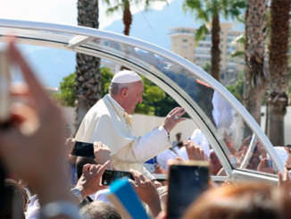 papa_francesco_papamobile_palermo