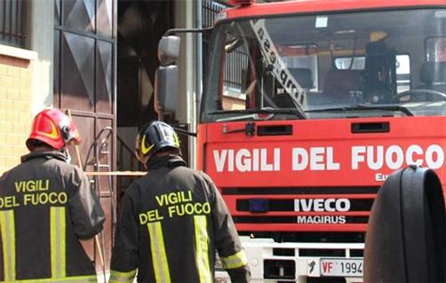 Incendio discarica rifiuti a Sciacca