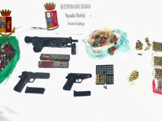 armi_ritrovamento_polizia_catania