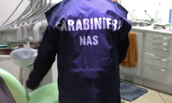 Falsi dentisti denunciati a Catania