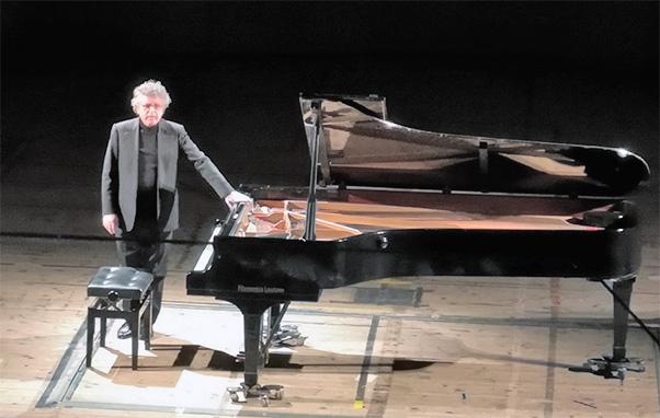 Pianista Nicolosi colto da infarto durante concerto