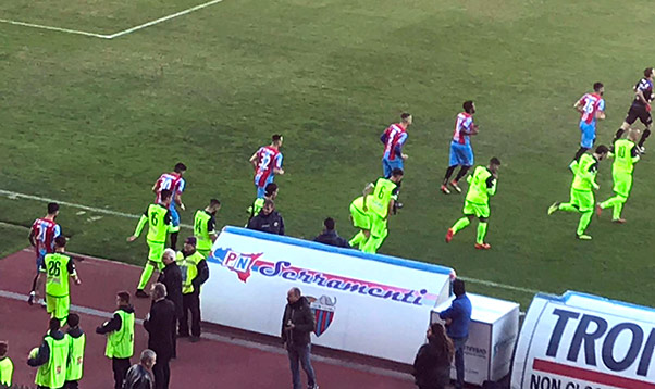 Catania-Casertana 3-0, etnei indomabili