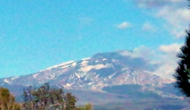 Etna, nube di cenere sopra la città