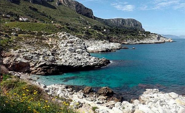 Fioraio trovato morto nel litorale di Bagheria