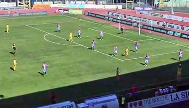 Catania-Juve Stabia 1-0, rigore con Lodi