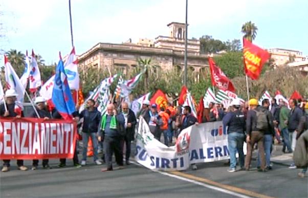 Corteo Sirti a Catania contro i licenziamenti