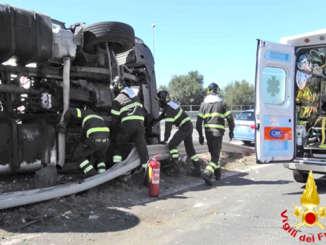 vigili_del_fuoco_incidente_tir_zona_industriale_ct