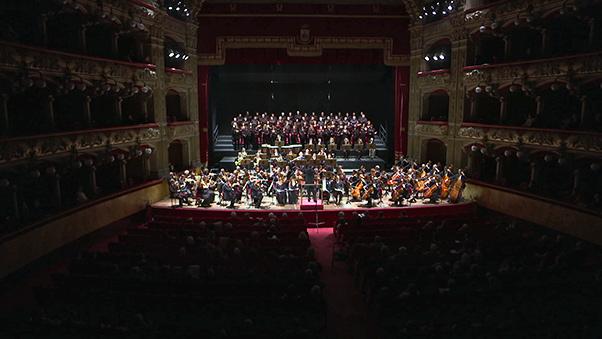 Piovani dirige lo Stabat Mater di Dvorak al Bellini
