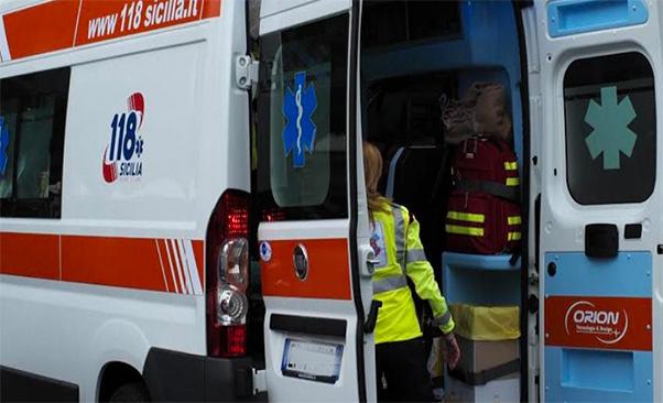 Impatta con l'ambulanza e muore