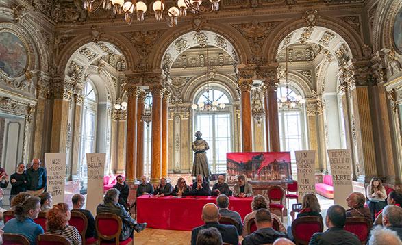 Teatro Bellini, situazione economica precaria - interviste video