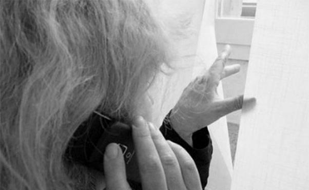 Minaccia di sfregiare la ex con acido