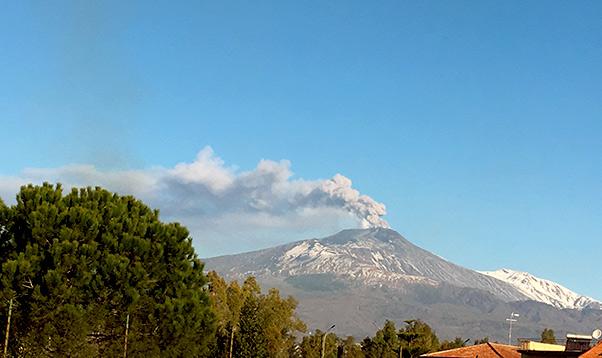 Gas cancerogeno da faglie Etna