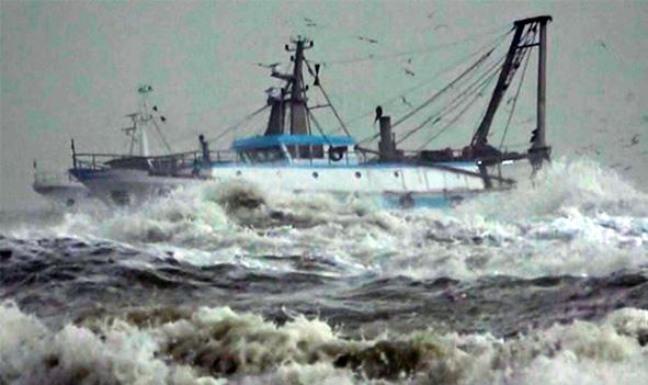 Affonda peschereccio, un morto