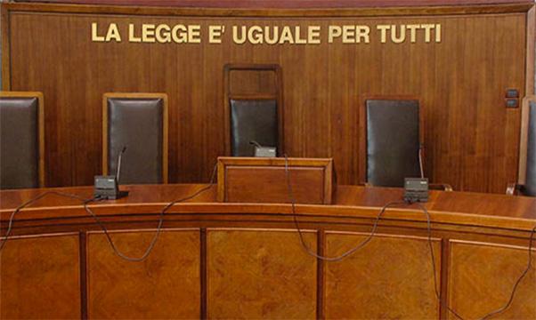 Setta e Abusi, a processo ex deputato e prete